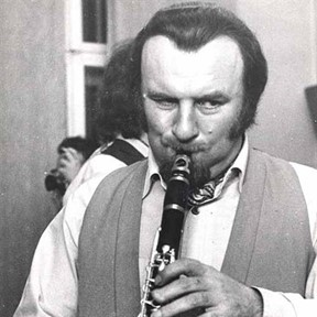 Mr. Acker Bilk & the Leon Young String Chorale