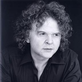 Mick Hucknall